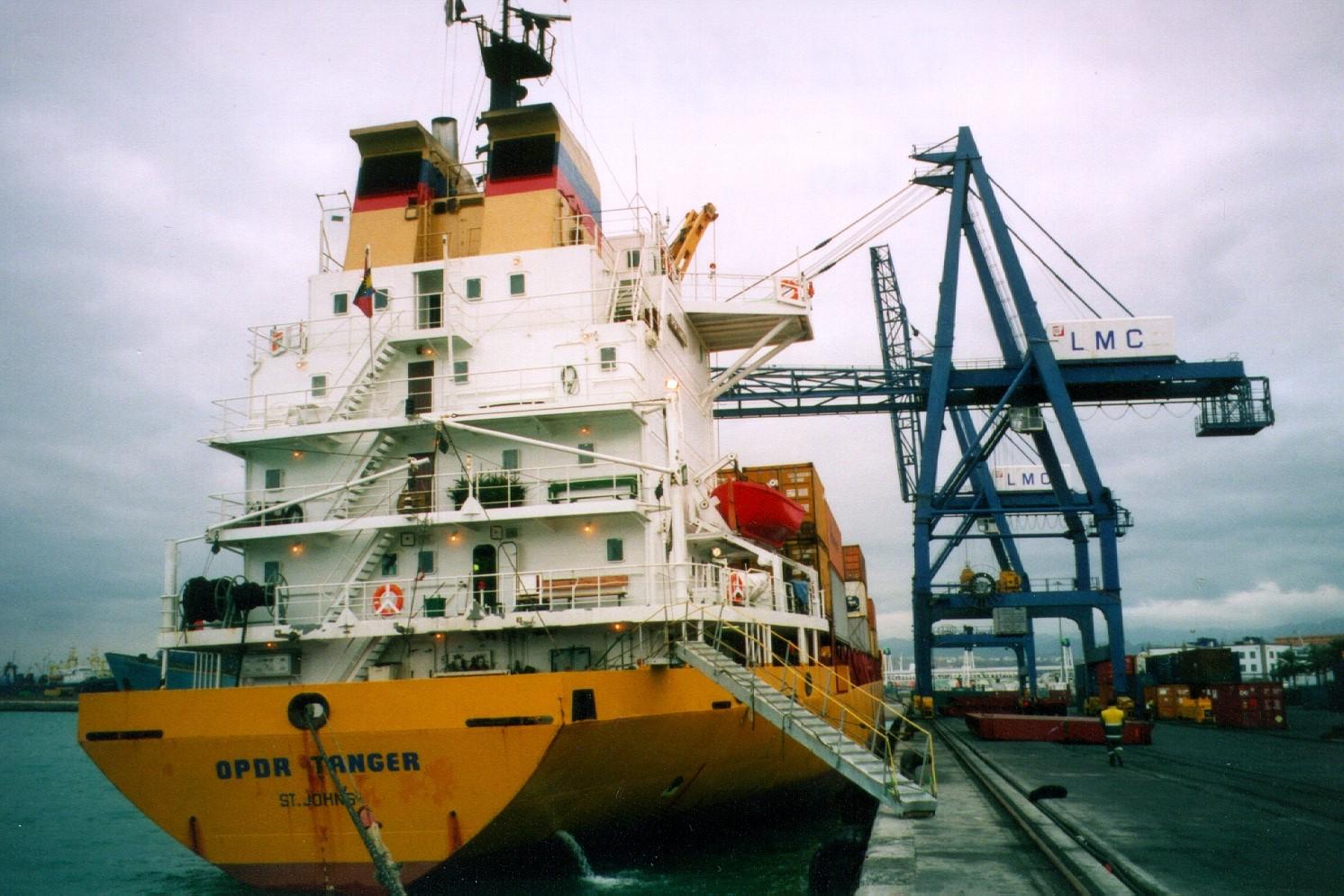 Frachtschiff, mit dem Containerschiff sind wir von Hamburg zu den Kanaren gefahren