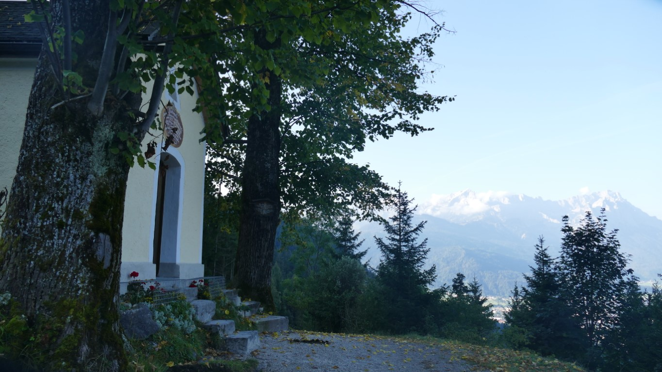 Daxkapelle mit Zugspitze